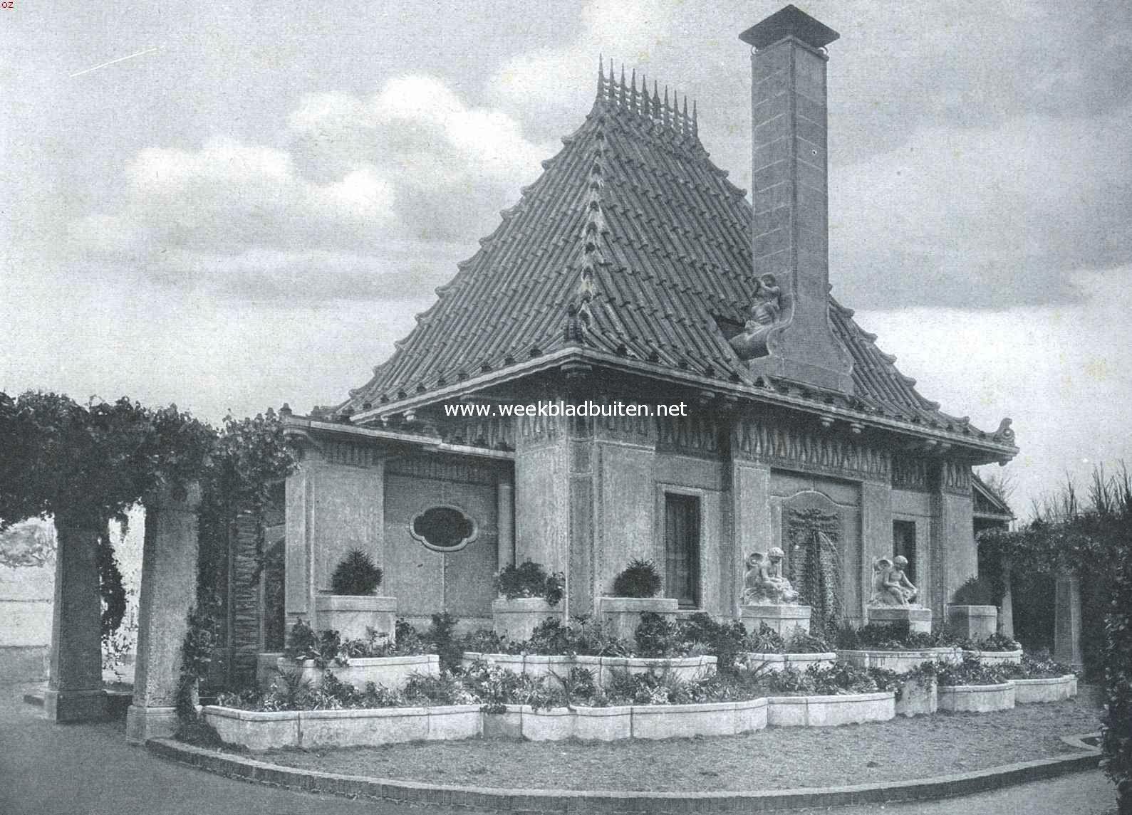 Tuinhuis in gemetalliseerd beton. De achtergevel