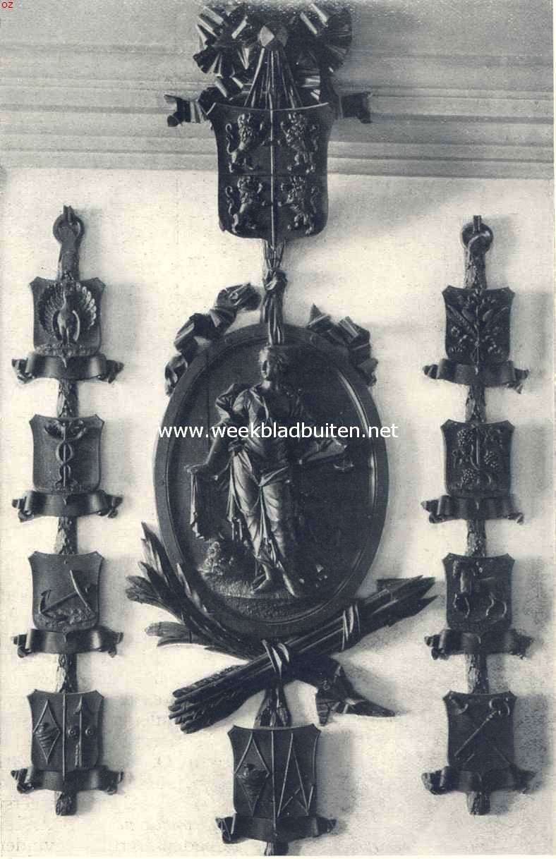 Schoorsteenboezem in de kamer van den secretaris in het oude rechthuis te Westzaan