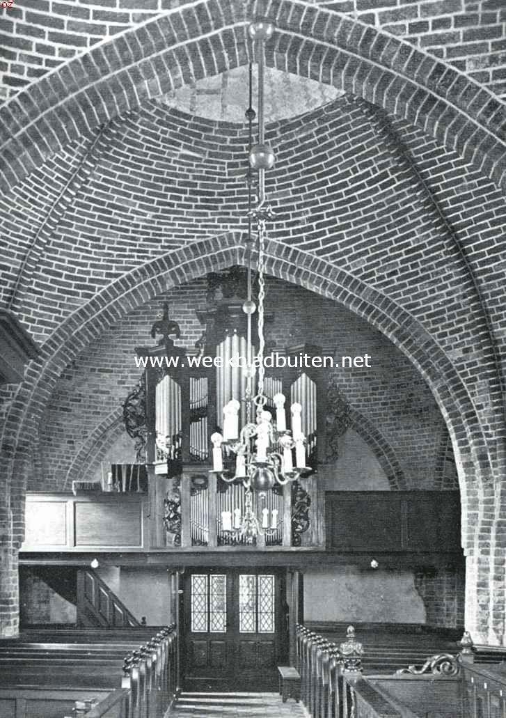 Inwendige van de kerk te Ulrum. In 1916/1917 gerestaureerd onder leiding van den rijksbouwmeester C.H. Peters